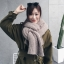 ผ้าพันคอไหมพรม เกาหลี สีเบจน้ำตาล มิกกับชุดไหนก็สวย ใส่ได้ทั้งผู้ชายและผู้หญิง พร้อมส่ง thumbnail 1