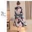 Dress4160 Maxi Dress แม็กซี่เดรสยาวคอปกเชิ้ต กระดุมผ่าหน้า แขนยาวกระดุมข้อมือ มีซับใน ผ้าชีฟองเนื้อดีนุ่มเกรดพรีเมียมลายดอกไม้โทนชมพูพื้นสีดำ ผ้าดีมีน้ำหนักทิ้งตัว งานดีใส่สวย thumbnail 5