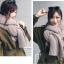 ผ้าพันคอไหมพรม เกาหลี สีเบจน้ำตาล มิกกับชุดไหนก็สวย ใส่ได้ทั้งผู้ชายและผู้หญิง พร้อมส่ง thumbnail 2