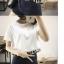 เสื้อแฟชั่นตัวสั้น เอวลอย แต่งพู่ สีขาว ใส่ออกมาแล้วแนวมากจ้า พร้อมส่งน้า thumbnail 2