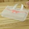 ถุงกระเป๋าใสตั้งได้ลายตารางคาดโบว์ 33x25+6 cm. 50 ชิ้น