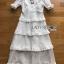 ชุดเดรสยาวผ้าลูกไม้สีขาวตกแต่งระบายเลเยอร์ thumbnail 4