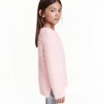 H&M : เสื้อกันหนาว รุ่น fluffy jumper size : 8-10y