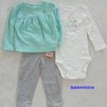 Carter's : set 3 ชิ้น บอดี้สูทสีขาว แพนกวิน พร้อมเสื้อแขนยาวผ้าสำลีสีเขียว มาพร้อมเลกกิ้งสีเทา