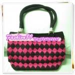 กระเป๋าเชือกร่มสีชมพูดำ (paracord bag)