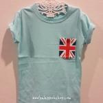 H&M : เสื้อยืด กระเป๋าลายธงชาติ สีฟ้า size : 2-4y