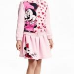 H&M : set เสื้อแจ็คเก็ท ซิปหน้าลายมินนี่เมาส์ สีชมพู และ กระโปรงลายมินนี่เมาส์ เอวยืด size : 1-2y / 2-4y