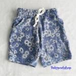H&M : กางเกงขาสั้นผ้ายืด ลายดอกไม้ สีน้ำเงิน เชือกผูกรูดเอวได้ size : 1.5-2y / 2-4y / 4-6y