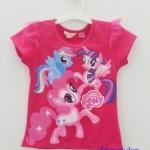 H&M : เสื้อยืดสกรีนลายม้าโพนี่ สีชมพูเข้ม มีระบายผ้าโปร่งที่แขน size : 6-8y