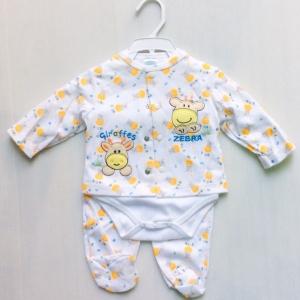 ชุดเด็กบอดี้สูทสามชิ้นพื้นขาวปักยีราฟหน้ารักขายส่งยกแพ็ค 6 ชุด ราคา 870 บาท size 3/6 6/9 เดือน