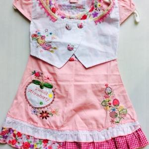 ชุดกระโปรงเด็กหญิงแบรน NEXT แบบดูไฮโซ ขายสางยกแพ็ค 4 ชุด size 2-3-4-5 y 760 บาท