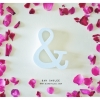 White - สัญลักษณ์ & (Ampersand) ตั้งโต๊ะ งานไม้สัก โทนสีขาว