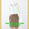 2660ชุดทํางาน เสื้อผ้าคนอ้วนกระโปรงลายไทย แต่งคอหยักสลับสีตีเกล็ดซ่อนด้านหน้าตัวเสื้อ แขนจีบบนไหล่ กระโปรงจีบแยก 2ข้างเป็นชั้นๆทรงสอบลาย