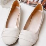 รองเท้าส้นแบนผู้หญิงสีขาว หัวกลม หุ้มส้น วัสดุPU หวานสไตล์เกาหลี