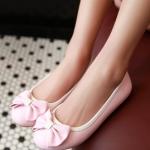 รองเท้าส้นแบนผู้หญิงสีชมพู หุ้มส้น พื้นยาง หัวกลม ประดับโบว์ น่ารัก แฟชั่นเกาหลี