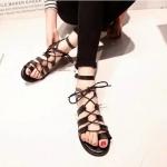 รองเท้ารัดส้นผู้หญิงสีดำ แบบมีเชือกรัด พื้นเรียบ มีเข็มขัดรัดข้อเท้า แฟชั่นเกาหลี