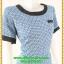 3105เดรสทำงาน เสื้อผ้าคนอ้วนสีฟ้าลายเล็กสไตล์ไทยๆแต่งคอและกระเป๋าสีดำเบรคลายสะดุดตา ชุดทรงตรงเข้ารูปเอวด้วยยางสมอคหลัง thumbnail 2