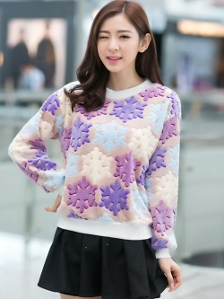 เสื้อแฟชั่นเกาหลี เสื้อแขนยาวน่ารักๆ สีฟ้า ม่วง ลายน่ารักๆ ผ้าขนนุ่มสบาย คอกลม แขนยาว