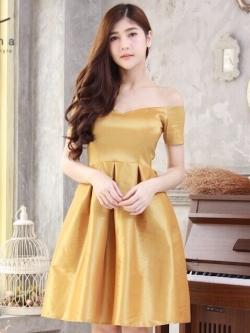 ชุดราตรีสั้นสีทอง เปิดไหล่ แขนสั้น สวยหรู ใส่ออกงาน ไปงานแต่งงาน ชุดเพื่อนเจ้าสาว