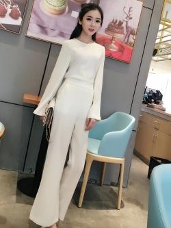 ชุดเซ็ทเสื้อแขนยาว + กางเกงขายาว สีขาว