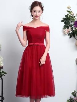 ชุดราตรีสีแดง เปิดไหล่ ผูกโบว์ ลุคสวยหวาน เรียบหรู ดูดี ใส่ออกงาน ไปงานแต่งงาน ชุดเพื่อนเจ้าสาว