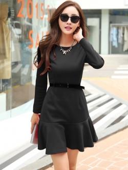 ชุดเดรสทำงานสีดำ แขนยาว เข้ารูป แฟชั่นชุดทำงานสวยๆสไตล์สาวออฟฟิศ