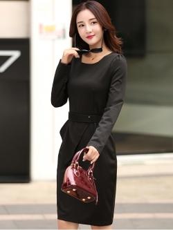 ชุดเดรสทำงานสีดำ เข้ารูป คอกลม แขนยาว แฟชั่นชุดทำงานสวยๆสไตล์สาวออฟฟิศ