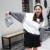 เสื้อแฟชั่น คอกลม แขนยาวผ้าขนสัตว์ ลายลูกเบสบอล A la mode สีขาว