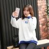 เสื้อแฟชั่น คอกลม แขนยาวแต่งสี ลายอักษรญี่ปุ่น สีขาว