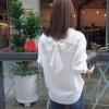 เสื้อแฟชั่น แขนยาว กระดุมหน้า โบว์หลัง สีขาว