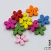 กระดุมไม้รูปดอกไม้ คละสี ขนาด 20 มม. [แพ็ค 10 เม็ด]