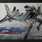 Bandai DX Chogokin - Macross Frontier VF-25F Messiah Valkyrie (Alto Saotome) Renewal Ver. Pre-owned