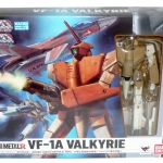 HI-METAL R The Super Dimension Fortress Macross VF-1A Valkyrie