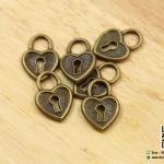 จี้โลหะ วินเทจ สีทองรมดำ แม่กุญแจ รูปหัวใจ