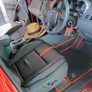 พรมดักฝุ่นไวนิล ชุด Full จำนวน 12 ชิ้น Ford Ranger 4 Door 2012-2018