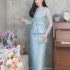 ชุดออกงานผู้ใหญ่สีฟ้า เซ็ทเสื้อลูกไม้ปักลายดอกไม้ ใส่คู่กับกระโปรงยาว สไตล์เรียบหรู สวยสง่า