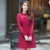 ชุดเดรสสั้นสีแดง คอปักลูกไม้ กระโปรงสั้นทรงบาน แนวเรียบๆ สวยดูดี สไตล์สาวออฟฟิศ : พร้อมส่ง M L XL