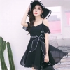 ชุดเดรสสั้นสีดำ เปิดไหล่ กระโปรงทรงบาน สวยเก๋ น่ารักสไตล์เกาหลี