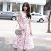 ชุดเดรสยาวสีชมพู ลายดอกไม้ ลุคสวยหวาน น่ารัก สวมใส่ได้หลายโอกาส