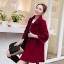 เสื้อโค้ทกันหนาวผู้หญิง สีไวน์แดง คอบัว ยาวคลุมสะโพก ทรงเก๋ ใส่กันหนาว สวยๆ thumbnail 4