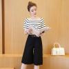 ชุดเซ็ทเสื้อกางเกงสีดำ เสื้อยืดแขนสั้นลายขวาง + กางเกงห้าส่วน