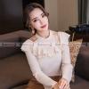 เสื้อแฟชั่นเกาหลีสีครีม แขนยาว คอแต่งระบายสวยเก๋ น่ารักๆ ( สินค้าพร้อมส่ง S M L XL )