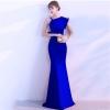 ชุดราตรียาวสีน้ำเงิน ไหล่เฉียงข้างแต่งระบาย เข้ารูป ลุคเรียบหรู สวยดูดี ใส่ออกงาน ไปงานแต่งงาน