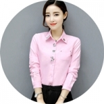 เสื้อเชิ้ตผู้หญิงสีชมพู