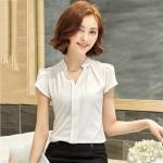 เสื้อเชิ้ตผู้หญิงทำงานสีขาว คอวี แขนสั้น ลุคเรียบๆ เสื้อทำงานสวยๆ สำหรับสาวออฟฟิศ