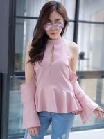 เสื้อเว้าไหล่สีชมพู แขนยาวระบาย ทรงสวย