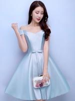 ชุดราตรีสั้นสีฟ้า คอวีปาดไหล่ กระโปรงทรงบาน แนวชุดออกงานเรียบหรู สวยหวาน ดูดี ราคาไม่แพง