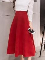 กระโปรงยาวคลุมเข่าสีแดง ผ้าสักหลาด