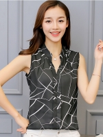 เสื้อแขนกุดสีดำ คอวี ลุคสวยเก๋ๆ เสื้อแฟชั่นสไตล์เกาหลี