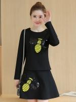 ชุดเซ็ทเสื้อ-กระโปรงสีดำ ลายผึ้งน้อยน่ารัก